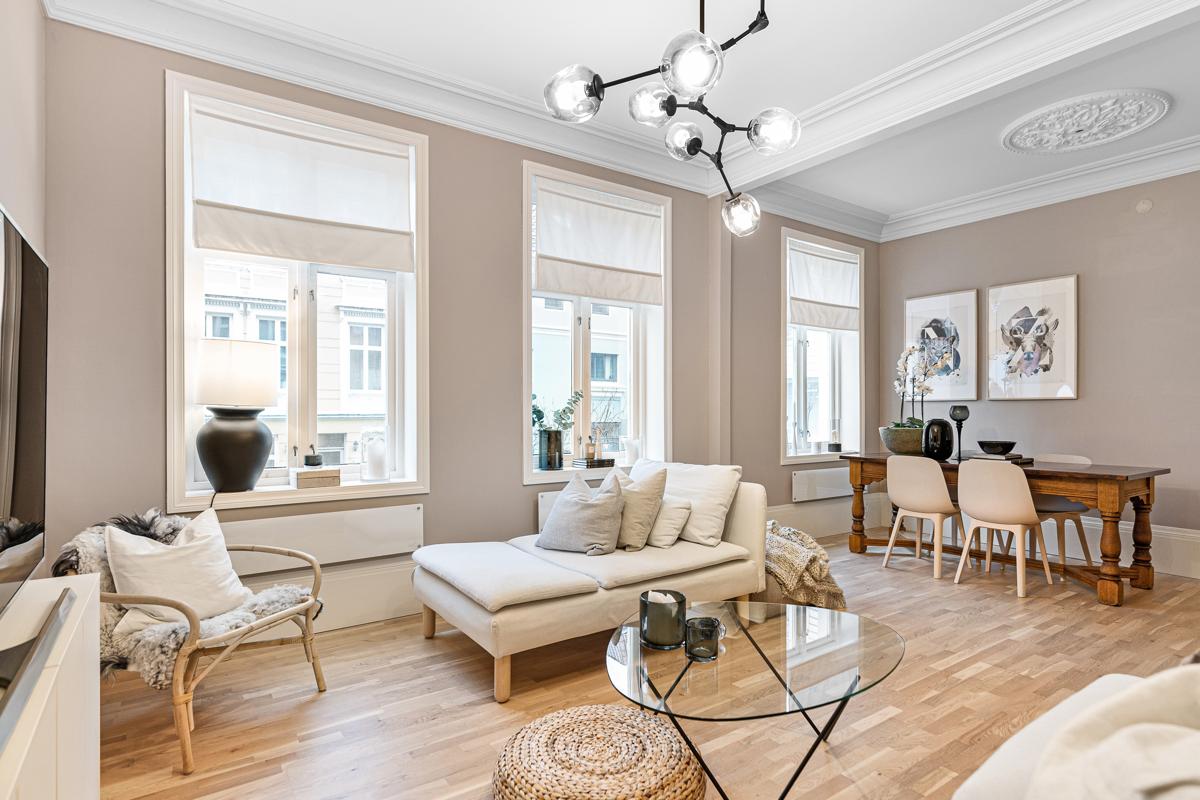 Nordnes -Praktfull 3-roms eierleilighet i meget populært boligområde i hjertet av Bergen! Takhøyde på hele 2.87m