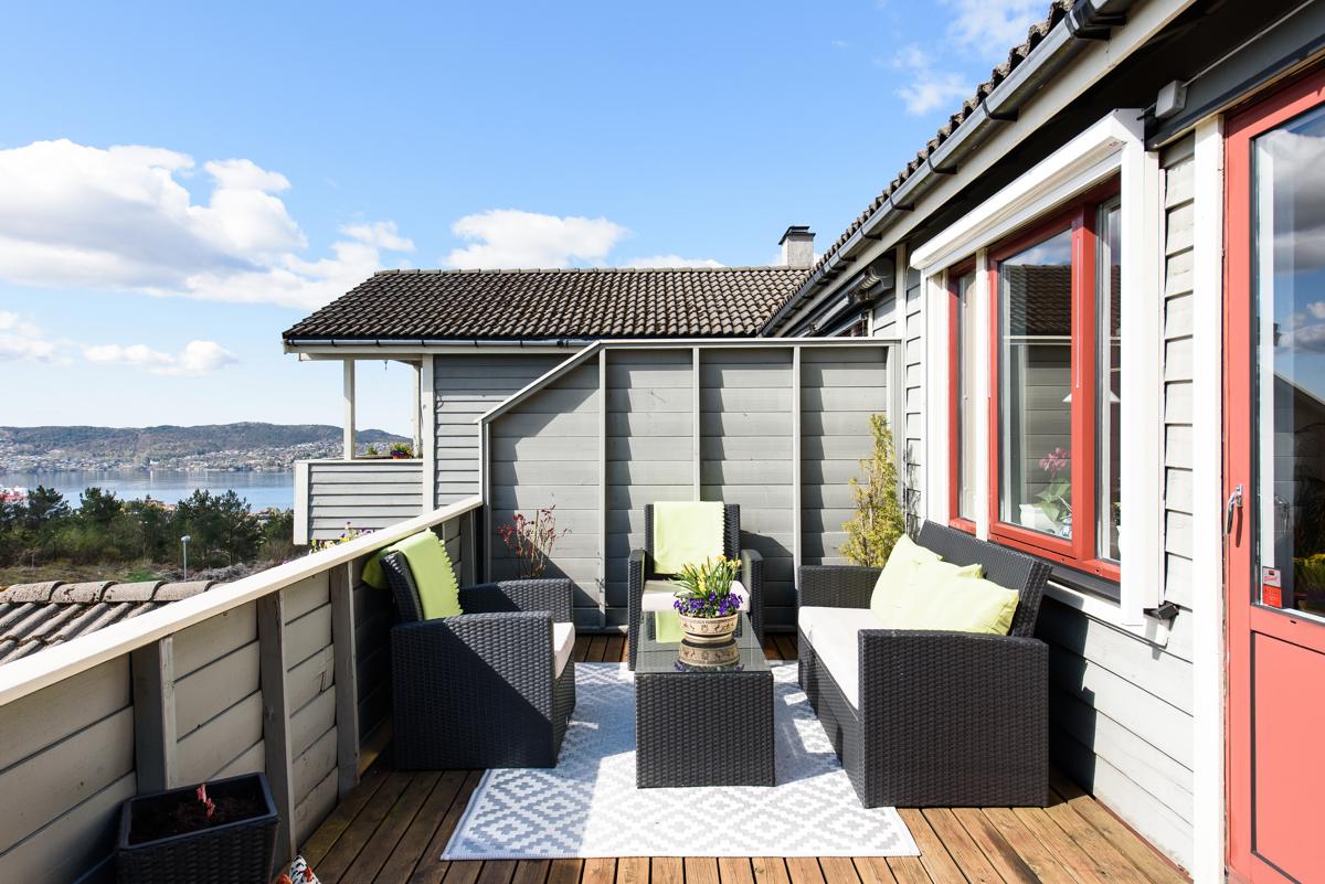 Velkommen til Haukedalen 170 presentert av Cecilie van der Heide for Fana Sparebank eiendom.