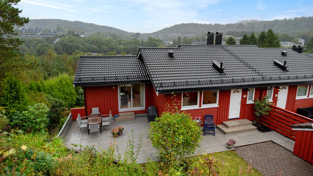 Velkommen til Breimyra 232 - Presentert av Caroline N. Johansen ved Fana Sparebank Eiendom