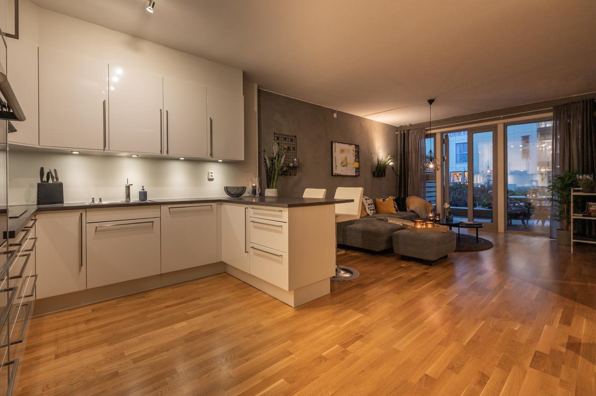 Nydelig 3 roms eierleilighet med alle servicetilbud rett utenfor døren.