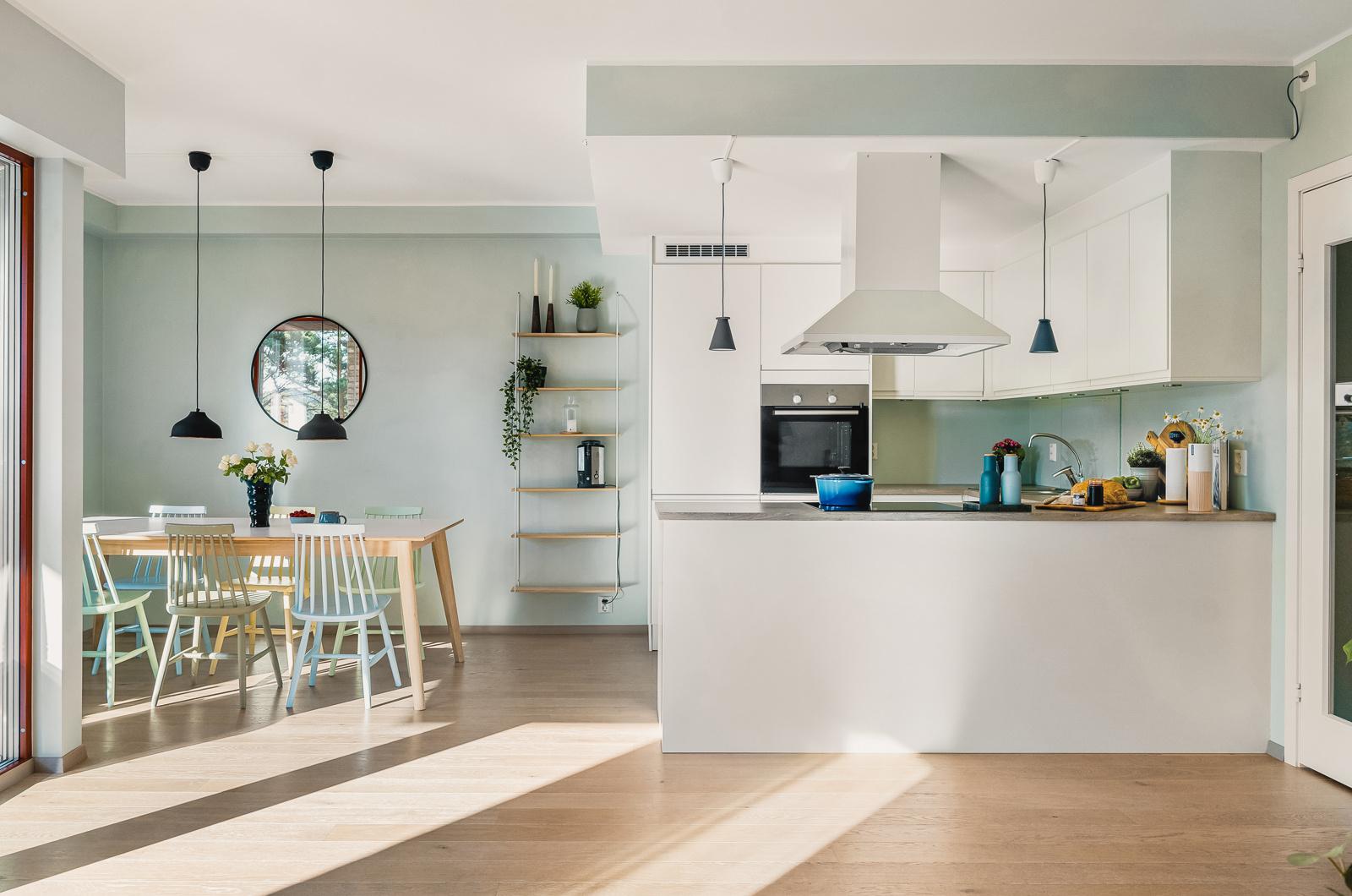 Laila Flinterud i Fana Sparebank Eiendom ønsker velkommen til nydelig leilighet i Sandsliåsen 45!