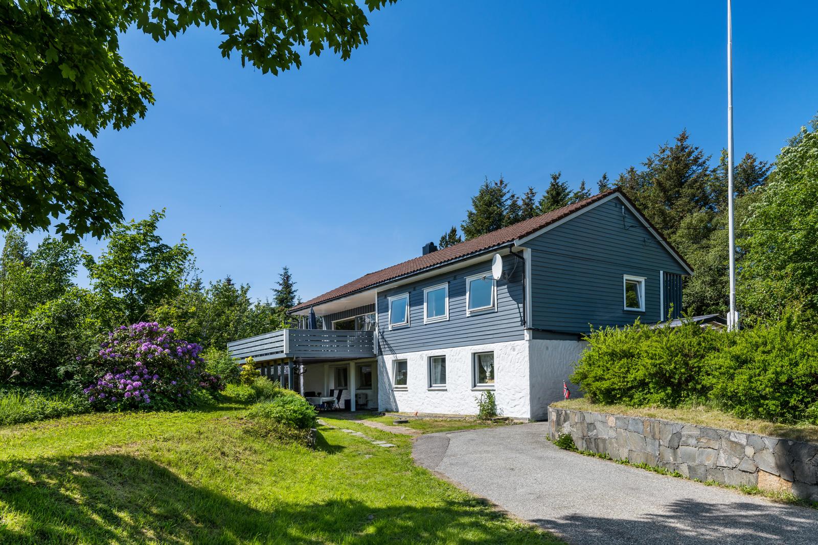 Velkommen til Landrovegen 188, en familievennlig enebolig i et godt og populært boligområde, presentert av Chris-André Grimstad