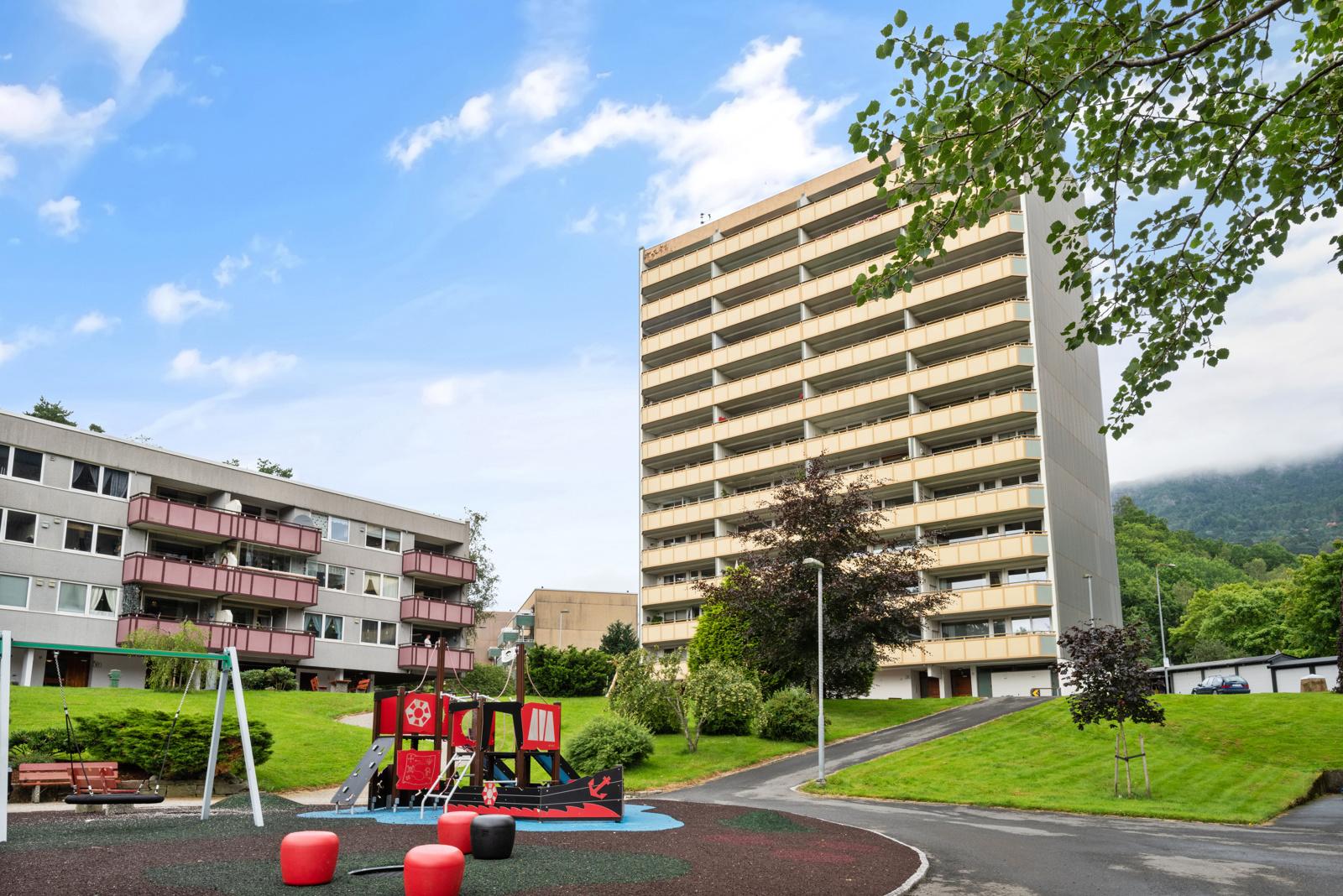Laila Flinterud har gleden av å presentere modernisert 3-roms i 11. etasje sentralt i Fyllingsdalen!
