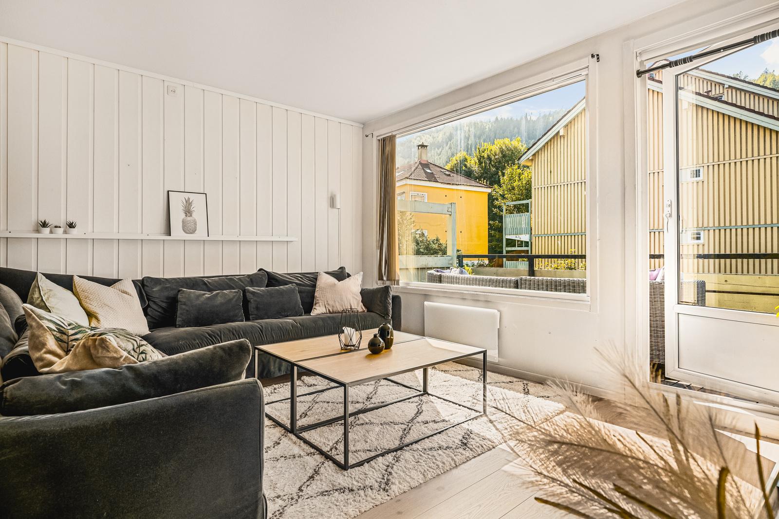 Velkommen til en flott 3-roms leilighet med super beliggenhet i Solheimsviken, presentert av Chris-Andre Grimstad Fana Sparebank EIendom