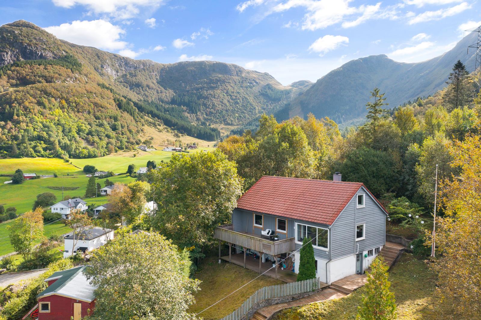 Velkommen til Jordalsveien 214 - Presentert av Fana Sparebank Eiendom v/Audun Stegali Borge